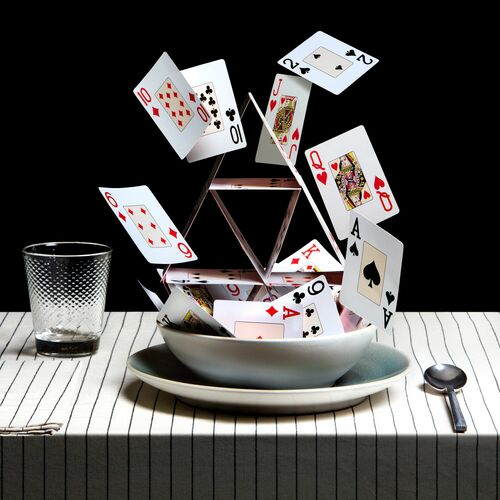HOUSE OF CARDS SOUP - MIGUEL VALLINAS - Kunstfoto