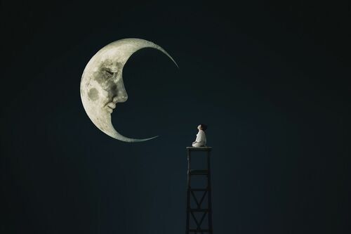 Talk to the moon - MINA MIMBU - Photograph