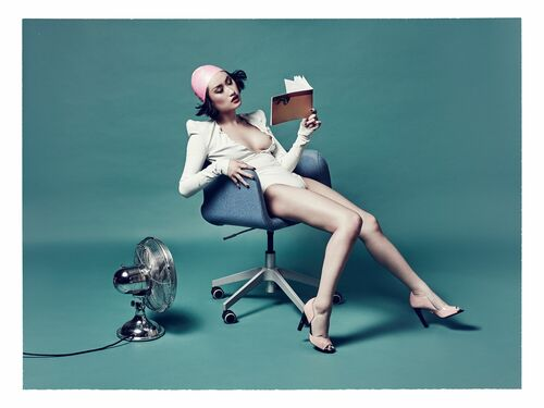 Hot Reads - NICOLAS GUERIN - Photograph
