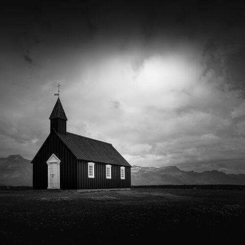 The Black Church - NINA PAPIOREK - Fotografie