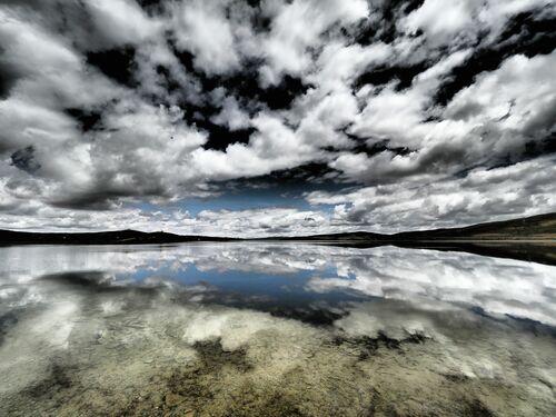 TIBETAN PLENITUDE - OLIVIER FOLLMI - Fotografía