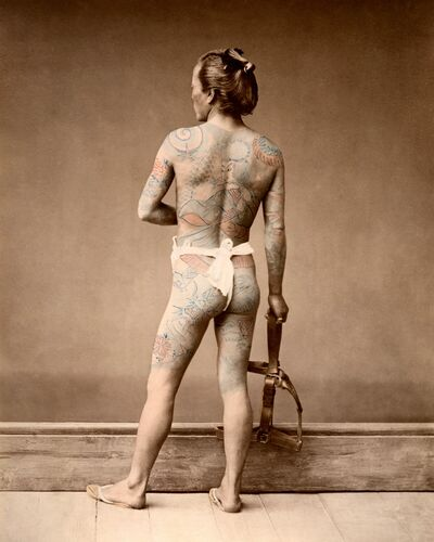 HOMME TATOUÉ, VERS 1875 - RAIMUND VON STILLFRIED BARON - Photograph