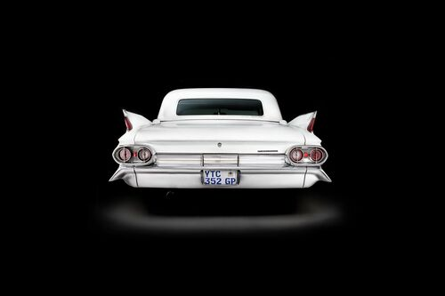 CADILLAC FLEETWOOD BACK VIEW -  SAREL AND MARYNA - Kunstfoto