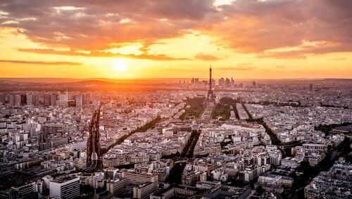 LE SOLEIL ET LES TOITS DE PARIS - SERGE RAMELLI - Kunstfoto