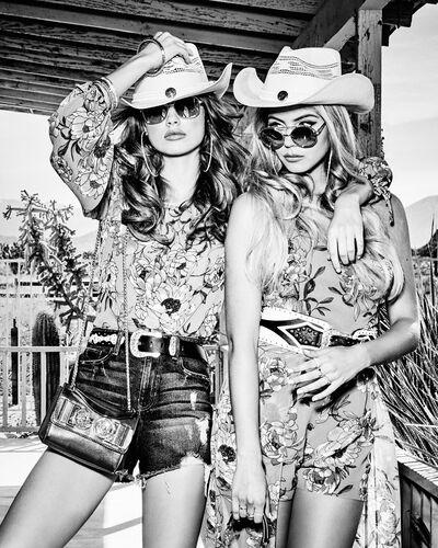 Dolls and cowboys - TATIANA GERUSOVA - Photograph