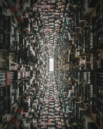 THE MONSTER BUILDING LOOKUP - TRISTAN ZHOU - Fotografía