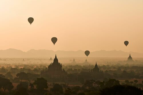 MORNING IN BAGAN - TUUL ET BRUNO MORANDI - Photograph