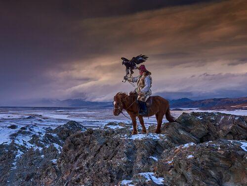 The Son of the Eagles of the Altaï Mountains  - TUUL ET BRUNO MORANDI - Fotografie