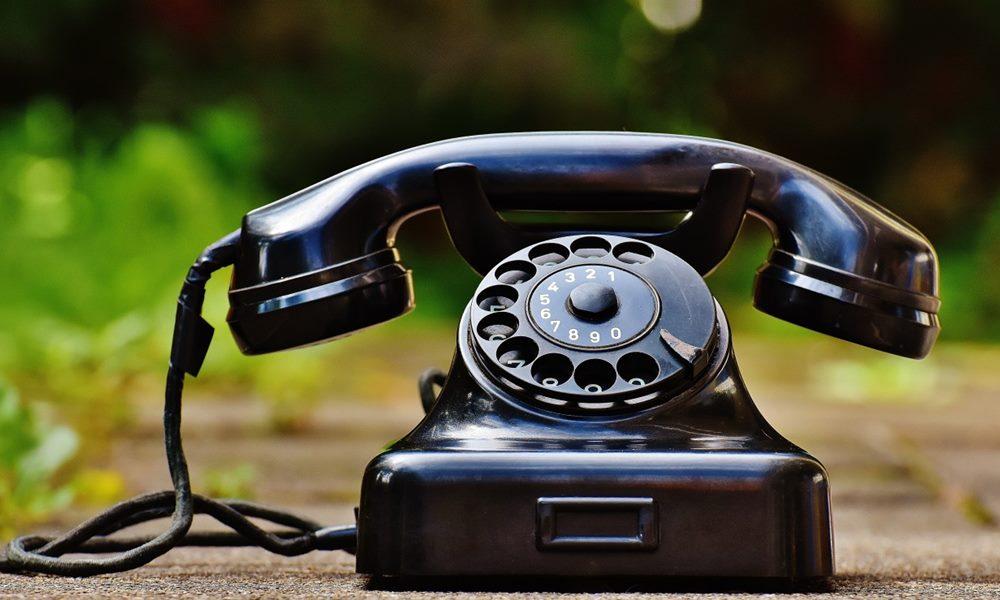 Teléfono fijo antiguo