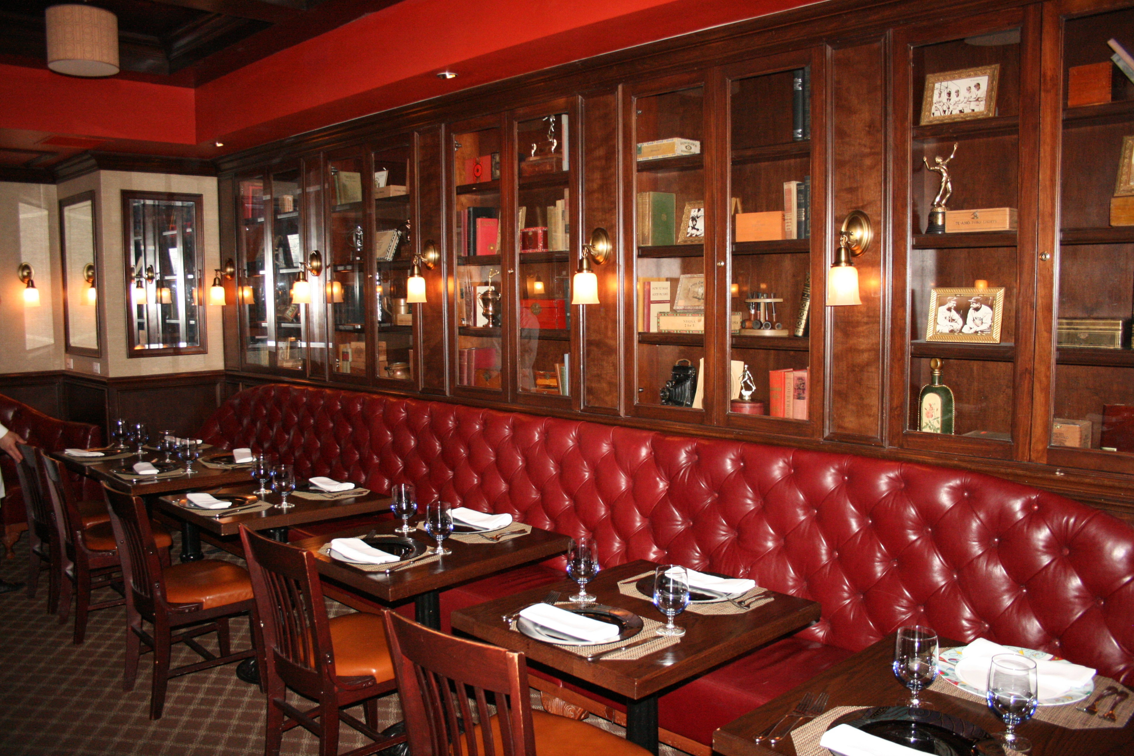 8 Old School Steakhouses To Try In Nyc Zagat