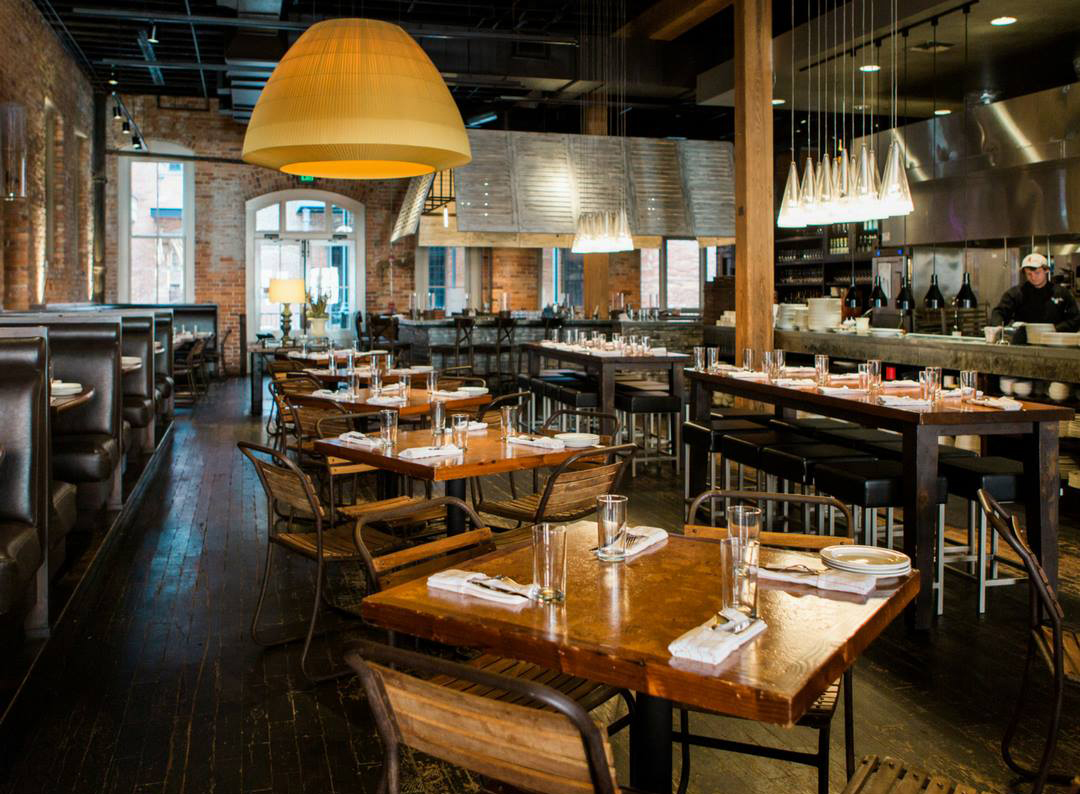 Located Downtown In A Circa 1890s Grocer S Warehouse Central Turns Out Sophisticated Southern Fare Relying On Fresh Regional Ings