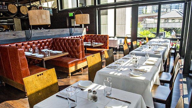 There S Plenty To Look At When Dining This Third Entry In Fifth Group Restaurants Local Collection Of South City Kitchens The Buckhead Branch Has Got A