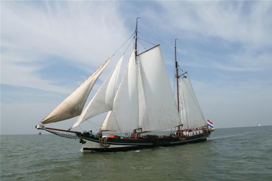 Friesische Gewässer und Städte entdecken