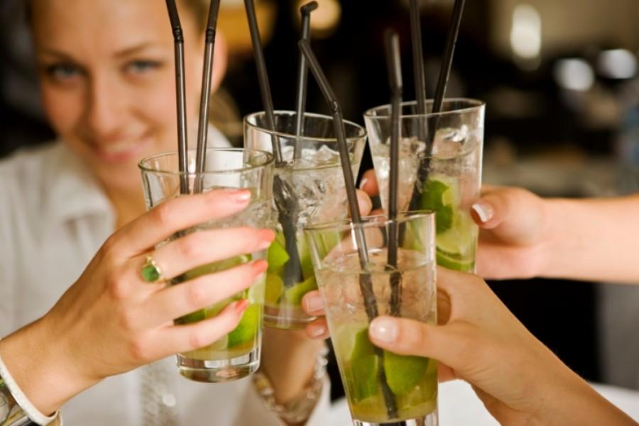 Detailafbeelding van Zeilen en cocktails maken
